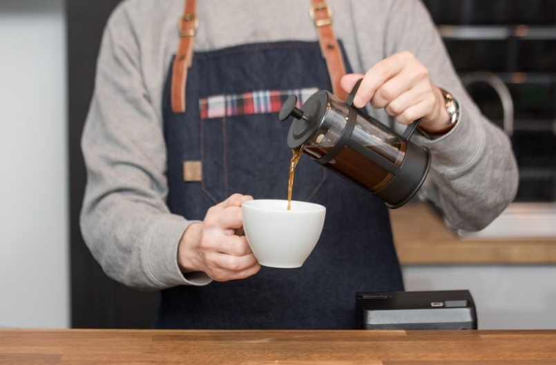 Перелейте свой бодрящий кофе в кружку